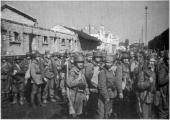 Румынские солдаты на вокзале