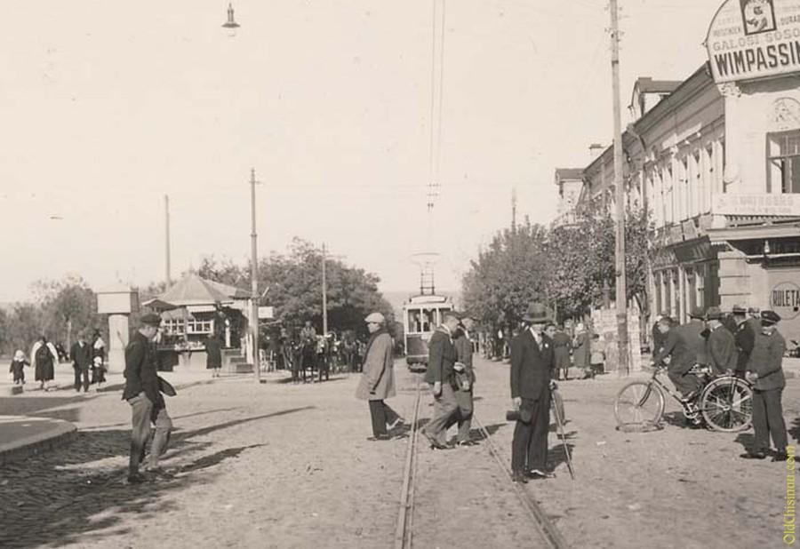 Трамвай на Пушкинской улице