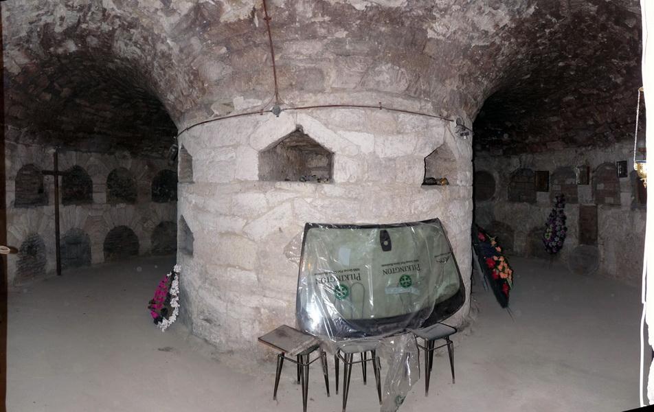 Склеп под Всесвятской церковью