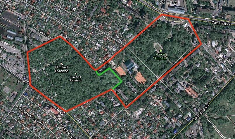 Границы Еврейского Кладбища. Красным показана территория кладбища до 1958 г. Зелёным указана граница между уцелевшей частью (слева) и уничтоженной (справа).