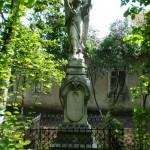 Надгробия у Вознесенской церкви Кишинёва