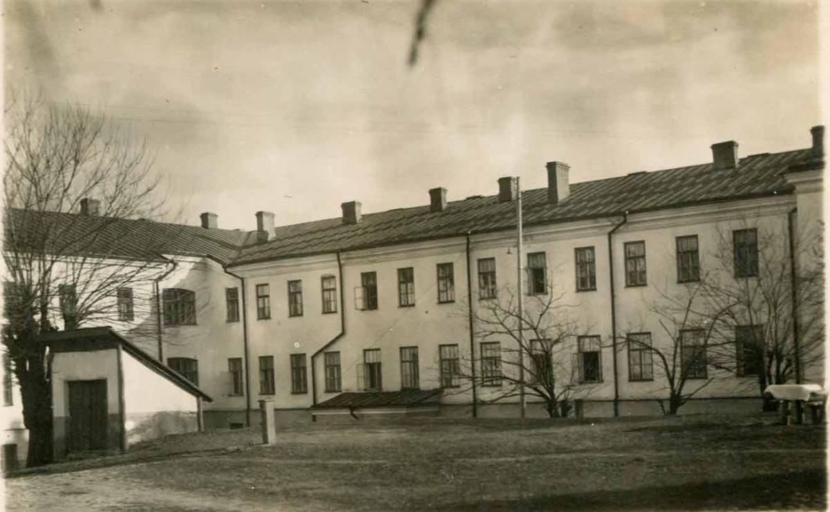 Дом Митрополии в межвоенный период. Вид со двора.