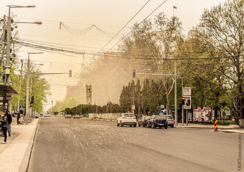 Московская улица и кирха.