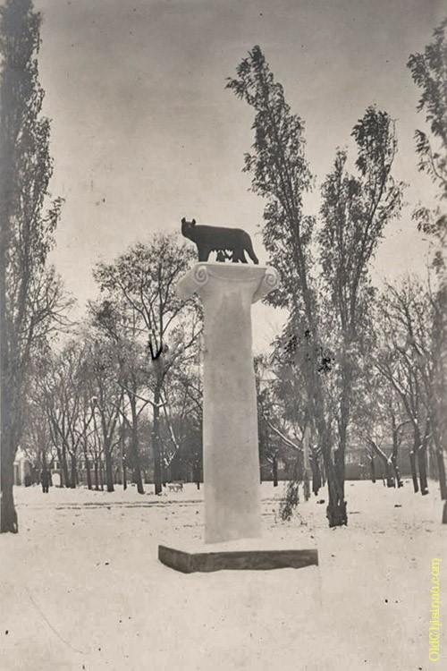 Капитолийская волчица в Кишинёве.